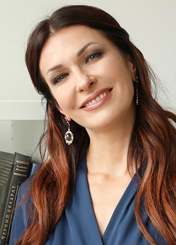 Алена Сысоева - основатель Школы EQ в Украине, автор многочисленных программ по развитию эмоционального интеллекта.